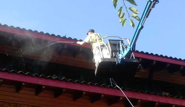high level gutter cleaning and property maintenance